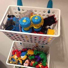 pratico organizador de brinquedos