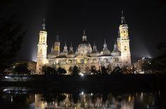 A Espanha não é só Madrid ou Barcelona, tem lugares lindos como a cidade de Zaragoza, que fica no meio do caminho entre as cidades de Madrid e Barcelona. #TurMundial #Zaragoza #Espanha #Europa  http://www.turmundial.com/2016/11/zaragoza-antiga-cidade-romana-chamada.html
