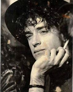...Muestrame tu sol, el ritmo de tus ojos.. #BuenasNoches #Cerati #SodaStereo… Soda Stereo, Rock Chic, Glam Rock, Rock And Roll, Hard Rock, Rock Bands, Rock Argentino, Love Rocks, Old Soul
