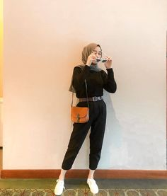 Modern Hijab Fashion, Street Hijab Fashion, Hijab Fashion Inspiration, Muslim Fashion, Look Fashion, Korean Fashion, Fashion Outfits, Casual Hijab Outfit, Hijab Chic