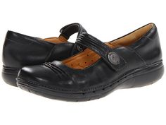 Clarks Un.Linda   Great shoes... too bad they don't have them in my size (I have worn my last pair totally out)
