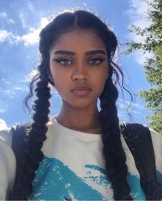 U-Part Lace Front Wigs Brazilian Human Hair straight Long Wigs Beauty Makeup, Hair Makeup, Hair Beauty, Dark Skin Beauty, Black Beauty, Eye Makeup, Hair Inspo, Hair Inspiration, Cabelo Inspo