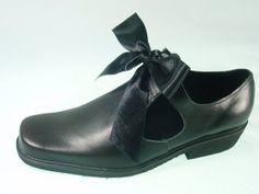 XVII century men's shoes.