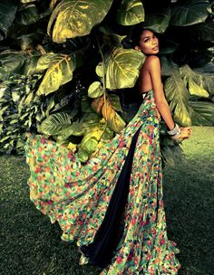 Chanel Iman flower hide