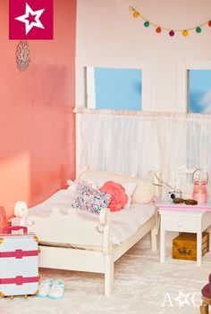 Brynn's room is minimalistic with a pop of fun color. #TeamAGLife #AGFairwayPlace
