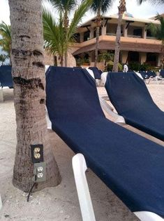 Outdoor Furniture, Outdoor Decor, Your Life, Sun Lounger, Inventions, Knowing You, Clever, Public, Design
