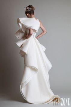 "Krikor Jabotian - Couture - ""Closure"", F/W 2013-2014 - http://en.flip-zone.com/fashion/couture-1/independant-designers/krikor-jabotian-4063"