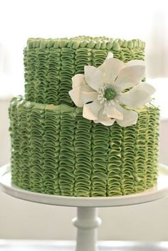 Magnolia Flower on Green Buttercream Ruffle Cake. I want to try making one of these. Someone need a cake any time soon? Gorgeous Cakes, Pretty Cakes, Cute Cakes, Amazing Cakes, Buttercream Ruffle Cake, Frosting, Green Cake, Icing Techniques, Do It Yourself Wedding
