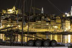 #RIBEIRA #PORTO #PORTONOITE Rio, Portugal, Douro, Photography, Port Wine, Landscape Photography, Black White, Boats, Photos