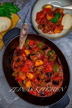 Vegansk gulasch - ZEINAS KITCHEN Vegan Breakfast Recipes, Vegan Recipes Easy, Soup Recipes, Diet Recipes, Vegetarian Recipes, Peasant Food, Vegan Soup, Vegan Dishes, Healthy Drinks