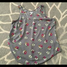 Old Navy Gray Floral Sleeveless Top L- Loose Fit.Non Stretchy. (Price is final on items $15 or less Unless Bundled) Old Navy Tops Tank Tops