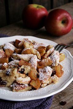 Dinkel-Buttermilch-Schmarrn mit frischen Beeren