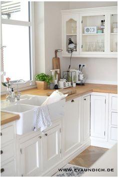 Küche in weiß und Landhausstil