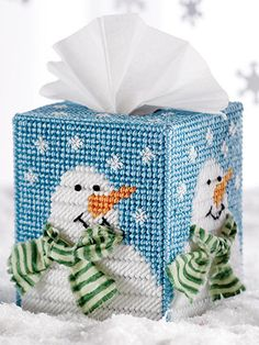Plastic Canvas - Bring a bit of winter into your home with this snowflake-encrusted tissue topper! Stitched on plastic canvas with worsted weight yarn, this topper fits a boutique size box. Plastic Canvas Ornaments, Plastic Canvas Tissue Boxes, Plastic Canvas Christmas, Plastic Canvas Crafts, Plastic Canvas Patterns, Plastic Sheets, Frosty The Snowmen, Snowman Crafts, Tissue Box Covers