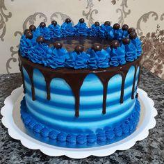 Buttercream Cake Designs, Buttercream Birthday Cake, Cake Decorating Frosting, Cake Decorating Designs, Creative Cake Decorating, Birthday Cake Decorating, Birthday Cakes For Men, Birthday Drip Cake, Bithday Cake