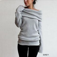 Soft and slouchy casual sweater. In black 92c94d1e4