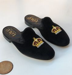 BLACK GOLD CROWN MULE SLIPPERS Loafer Shoes, Men's Shoes, Loafers, Best Dress Shoes, Casual Outfits, Men Casual, Leather Slippers, Gold Crown, Womens Slippers