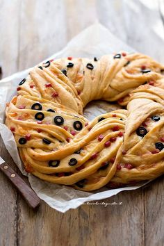 Angelica salata - New Site Sushi Co, Appetizer Recipes, Snack Recipes, A Food, Food And Drink, Pan Relleno, Braided Bread, Dinner With Ground Beef, Savoury Cake