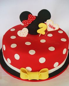 Minnie Mouse Cake- this would be perfect in pink!
