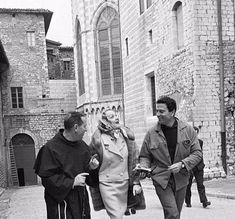 Marlene Dietrich and Raf Vallone in Italy February 1960 Marlene Dietrich, Marylin Monroe, Rita Hayworth, Falling In Love Again, Vintage Hollywood, World History, My Dream, Mystery, Actors