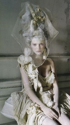 Tim Walker---NATALIE! let's make cool hats like these!