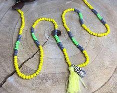 Hairpin . Nu door HairpinNU op Etsy Hair Pins, Eyeglasses, Tassel Necklace, Ankle, Chain, Beads, Crochet, Etsy, Jewelry