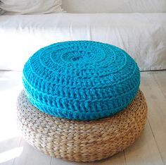 Hey, I found this really awesome Etsy listing at https://www.etsy.com/pt/listing/101690142/floor-cushion-crochet-giant-knit