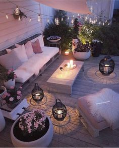 Outdoor Rooms Add Living Space - Outdoor Lighting - Ideas of Outdoor Lighting - What a difference good lighting makes! Outdoor Rooms Add Living Space - Outdoor Lighting - Ideas of Outdoor Lighting - What a difference good lighting makes! Backyard Lighting, Outdoor Lighting, Landscape Lighting, Porch Lighting, Cool Lighting, Garden Lighting Ideas, Exterior Lighting, Lights In Garden, Lights In Backyard