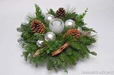 Christmas decor Christmas Is Coming, All Things Christmas, Christmas Home, Christmas Wreaths, Christmas Crafts, Christmas Ornaments, Christmas Candles, Christmas Centerpieces, Xmas Decorations