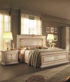 Choose italian bedroom furniture: the most intimate spot of the house where you will easily lose yourself in sweet dreams. Italian Bedroom Furniture, Luxury Home Furniture, Classic Furniture, Bed Furniture, Furniture Design, Modern Bedroom, Bedroom Decor, Bedroom Ideas, Bedroom False Ceiling Design