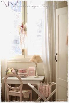 lastenhuone, sisustus, tytön huone, pyykkiteline,diy
