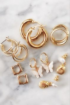 Gold Jewelry, Jewelery, Khloe Kardashian Style, Vintage Rings, Fashion Accessories, Bangles, Bling, Earrings, Gifts