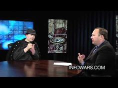 Smashing Pumpkins Billy Corgan sits down with Alex Jones for a decent discussion about the music industry to the recent Koni event.