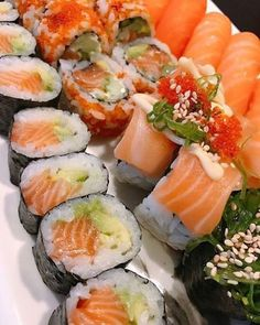 Not a second when your not on my mind🍣 ➡️Quickly double tap if you love good sushi🙌⬅️ 👇Tag a friend 👇 Sushi Co, My Sushi, Best Sushi, Sushi Recipes, Asian Recipes, Cooking Recipes, Healthy Recipes, Sushi Party, Food Porn