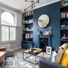 Blue-living-room-makeover-6 Navy Living Rooms, Retro Living Rooms, Living Room Modern, Home Living Room, Navy Blue And Grey Living Room, Farrow And Ball Living Room, Living Room Ideas Dark Blue, Dark Blue Lounge, Blue Feature Wall Living Room