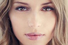 Les boutons personne ne les aime. Pourtant il arrive que certaines d'entre nous soient sujettes à des crises d'acnés plus importantes que d'autres. Sept astu