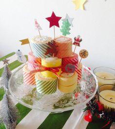 「とっても簡単!ロールケーキタワー」 の画像|アニヴァーサリー・プランナー辰元草子 オフィシャルブログ Japanese Roll Cake, Christmas Party Menu, Kitchen World, Roll Cakes, Cake Rolls, Food Design, Cake Art, Swiss Rolls, Birthdays