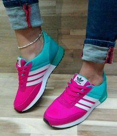 newest b9d00 dabc4 These are really cute and colorful womens sneakers right womenssneakers  Sneakers Adidas, Scarpe