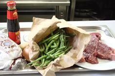 Rezept: Rindfleisch-Fisolen-Wok [Seite 1] - Fleischgerichte - derStandard.at › Lifestyle Zucchini, Chili, Asparagus, Beef, Vegetables, Food, Wok Recipes, Fresh, Easy Meals
