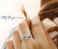 Description: Infinity knot - diamond ring - Unique Engagement Ring ♥ Feminine and delicate look. ♥ white gold in pictures. 4 Diamonds, Natural Diamonds, Infinity Knot Ring, Infinity Heart, Infinity Symbol, The Bling Ring, Bling Bling, My Sun And Stars, Looks Style