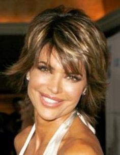 Lisa Rinna 's still wearing her famous short shaggy hairstyle that have inspired a lot of imitators. Snipped with lots of interior layers, a look is loaded with volume and texture.