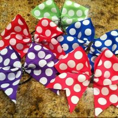 Savvy's Bowtique bows are high quality at low prices!  Buy at Savvyscheerbowtique on Etsy