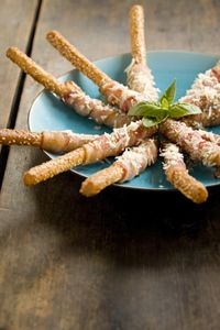 The Deen Bros Bacon Wrapped Breadsticks-- super easy but sounds yummy Gourmet Appetizers, Game Day Appetizers, Game Day Snacks, Appetizer Salads, Game Day Food, Appetizer Recipes, Snack Recipes, Appetizer Ideas, Supper Recipes