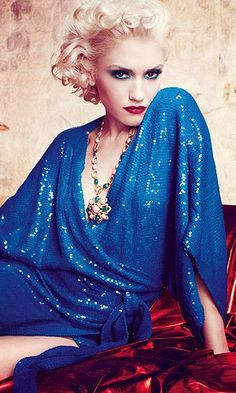 Beauty Tips, Celebrity Style and Fashion Advice from InStyle Gwen Stefani No Doubt, Gwen Stefani And Blake, Gwen Stefani Style, Gewn Stefani, Divas, Blue Sequin Dress, Blue Gown, Blond, Nicole Richie