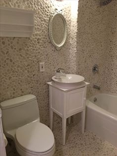 Full Bathroom Of Stone In White Pebble Tile Https Www Pebbletile