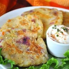 Scottish Bubble and Squeak Patties - A Britiish staple. The name comes from the bubble and squeak sounds made as it cooks. Scottish Dishes, Scottish Recipes, Irish Recipes, English Recipes, British Food Recipes, Mary Berry, Vegetarian Recipes, Cooking Recipes, Uk Recipes
