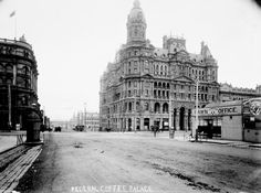 The corner of King and Collins Sts, Melbourne, including the Federal Coffee Palace (built demolished at centre, L is Robb's Buildings (built dem. R is London Pawn Office (demolished probably Melbourne Victoria, Victoria Australia, Old Pictures, Old Photos, Melbourne Suburbs, Exhibition Building, Australian Continent, Palace Hotel, Historical Architecture