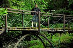 İskoçya ziyaretim sırasında İskoç yerel kıyafetleri giyme imkanım oldu - http://www.alibabaoglan.com/blog/2012/iskocya-seyahati-linn-house/