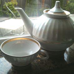 1 tea pot + 6 cups