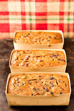The Beloved's Christmas fruitcake is the fruitcake that changed my mind about fruitcake! This stuff truly tastes incredible! Give it a try. I bet you'll change your mind, too! | pastrychefonline.com